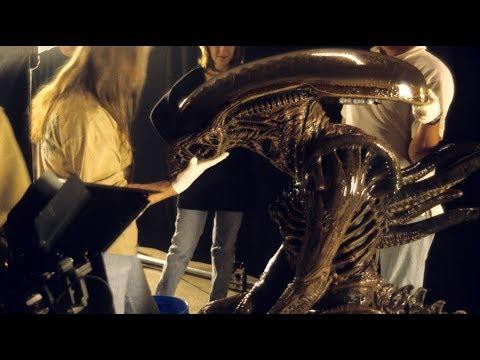 alien-resurrection-alien-warrior-suit-tests-adi-bts