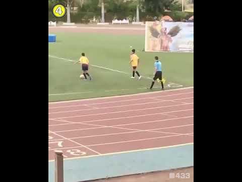 Photo of لاعبة كرة قدم تجبر حكمًا للخروج عن شعوره – الرياضة