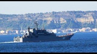 Rus savaş ve kargo gemisi Çanakkale Boğazı'ndan geçti