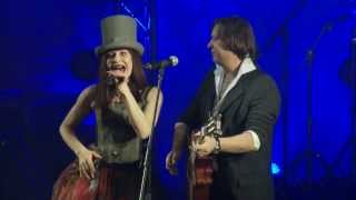 Смотреть клип Алиса Мон & Константин Бубнов - Весёлый Новый Год