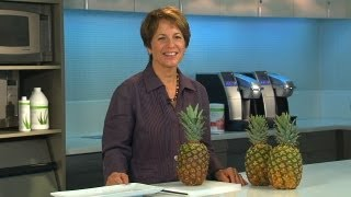 Fresh pineapple tips: How to select and cut a fresh pineapple | Herbalife Advice