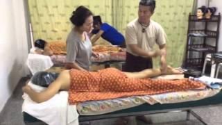 Repeat youtube video คอร์สสอนนวดน้ำมันรัชดา Oil ,swedish massage course at BKK branch
