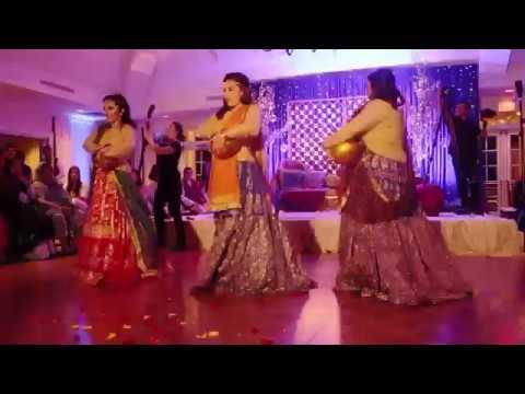 Pakistani Girls Mehndi Shadi Dance 2017