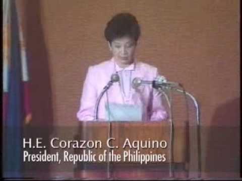 IRRI History: Cory Aquino visits IRRI, 15 October 1986
