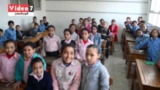 """بالفيديو..محافظ الإسكندرية منتقدة أداء معلمة بمدرسة : """"أنا مش زفت ميس"""""""