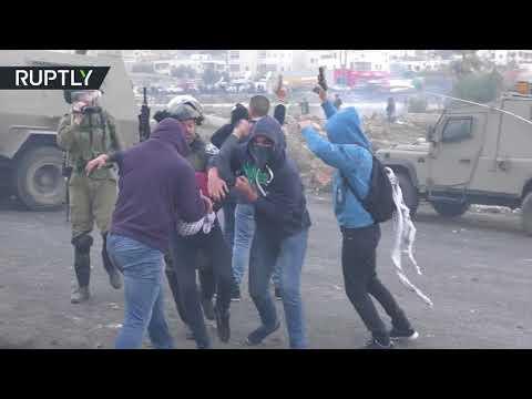 اشتباكات بين الشبان الفلسطينيين والجنود الإسرائيليين قرب مستوطنة بيت إيل في الضفة الغربية