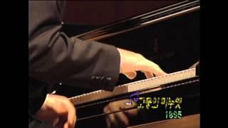 Maurice Ravel : Menuet Antique (1895) - Kun-Woo Paik