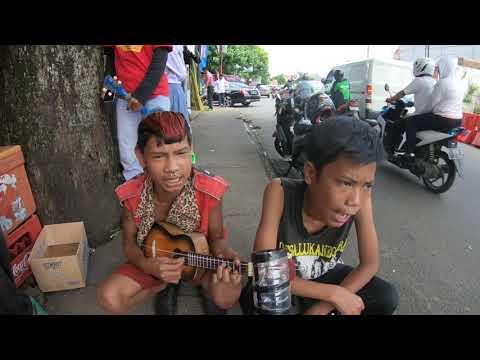 Lagu Kreatif Dari Anak Anak Punk ...!!! Pengamen Jalanan Kreatif Punk
