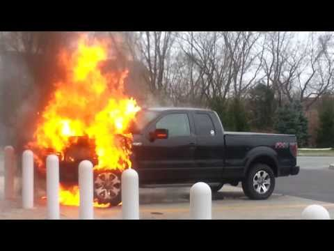 Car Fire: Ford F-150 FX4 @ Wawa Collegeville, PA (09:12 Min)