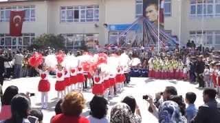 Repeat youtube video Cengiz Topel İlkokulu 1-C Sınıfı 23 Nisan Gösterisi