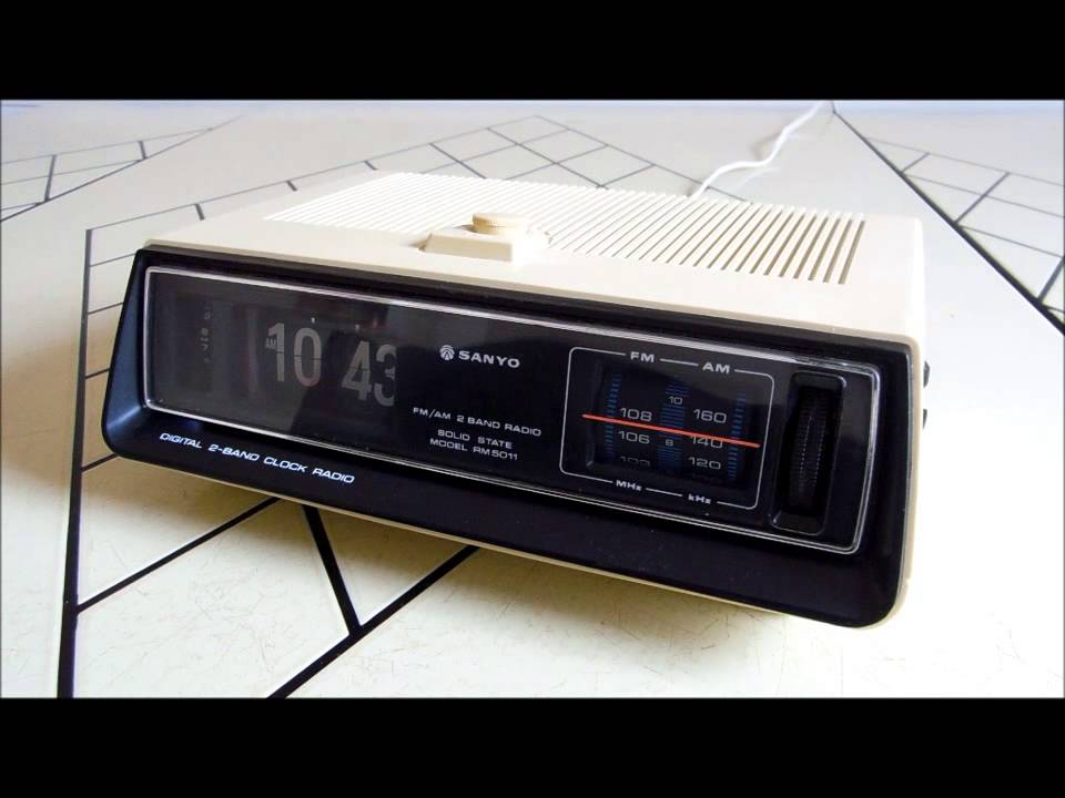 sanyo flip clock for sale vintage electronics retro. Black Bedroom Furniture Sets. Home Design Ideas