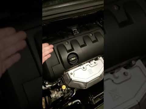 Проверка технического состояния клапана вентиляции картерных газов на Пежо 308 SW // Peugeot 308 SW