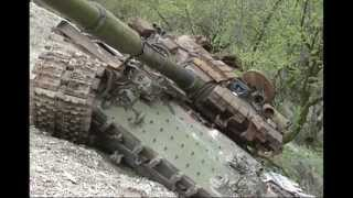 russian t 64 t 72 tank wreck in the first chechen war