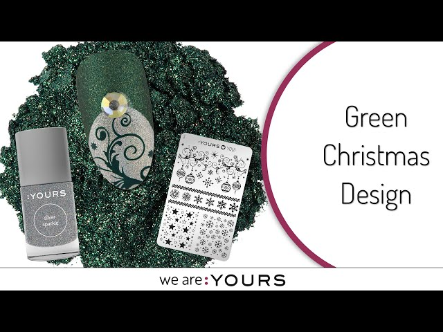 Green Christmas Nail Art Design