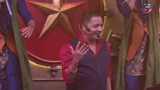 Catch a glimpse of Sukhwinder Singh perform on sets