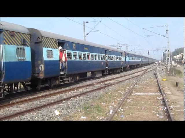 12391 Shramjeevi SF Express Departing from Dildarnagar Junction !!