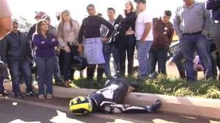 VIDEOS MARINGA URGENTE CICLISTA X MOTO R1 FATAL NA COLOMBO.WMV