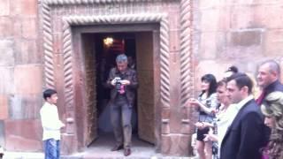 Армения. Свадьба. Традиции.(Прекрасная свадьба в Ереване в церкови Св. Зоравор в одном из старейших храмов Еревана! Это очень красиво..., 2012-12-17T20:33:30.000Z)