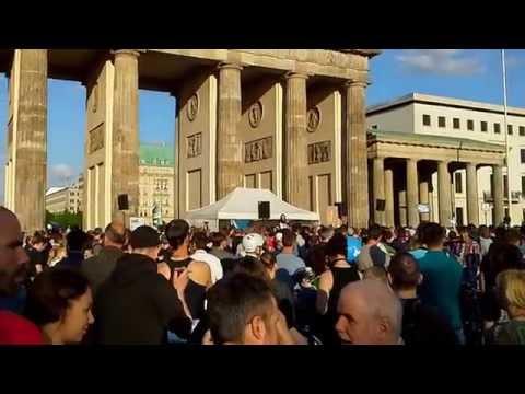 Montagsdemo Video 2 am Brandenburger Tor vom 28.04.2014