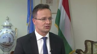 Hungary 'will never accept mandatory quota system' for migrants