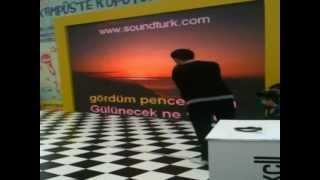 Aykut Ç. - Karaoke Performance [Uykusuz Her Gece]