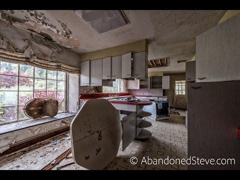 Exploring Abandoned Brady House