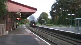 5029 'Nunney Castle' storms through Henley in Arden (19/06/13) Thumbnail