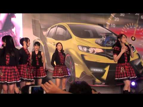 [FANCAM] JKT48 - Bingo at Honda Tuning Contest Taman Anggek