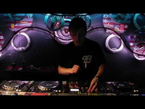 Cross Club Daily Sessions : Aspect in the mix (GRIME)