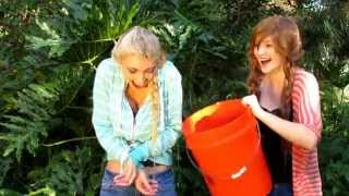 Anna Faith and Lexie Grace do the ice bucket challenge