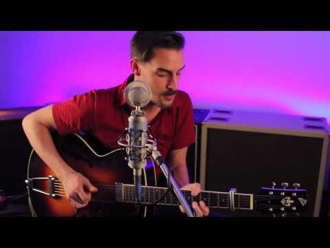 The Loar Presents: Robert Ellis - TV Song (Live Performance)