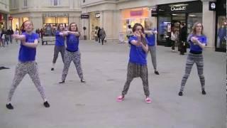 Flash mobbing