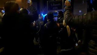 Napoli, proteste contro il lockdown davanti alla Regione
