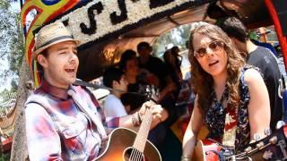 Смотреть клип Jesse & Joy - Aqui Voy