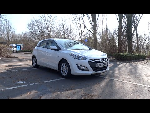 2014 Hyundai i30 1.6 CRDi 110 Blue Drive Active (5-door) Start-Up and Full Vehicle Tour