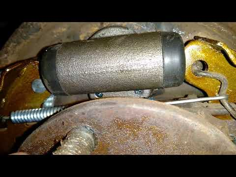 Шевроле Авео 1 замена заднего тормозного цилиндра (2 часть)