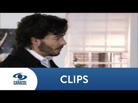 El Secretario: Antonia le declara su amor a Emilio