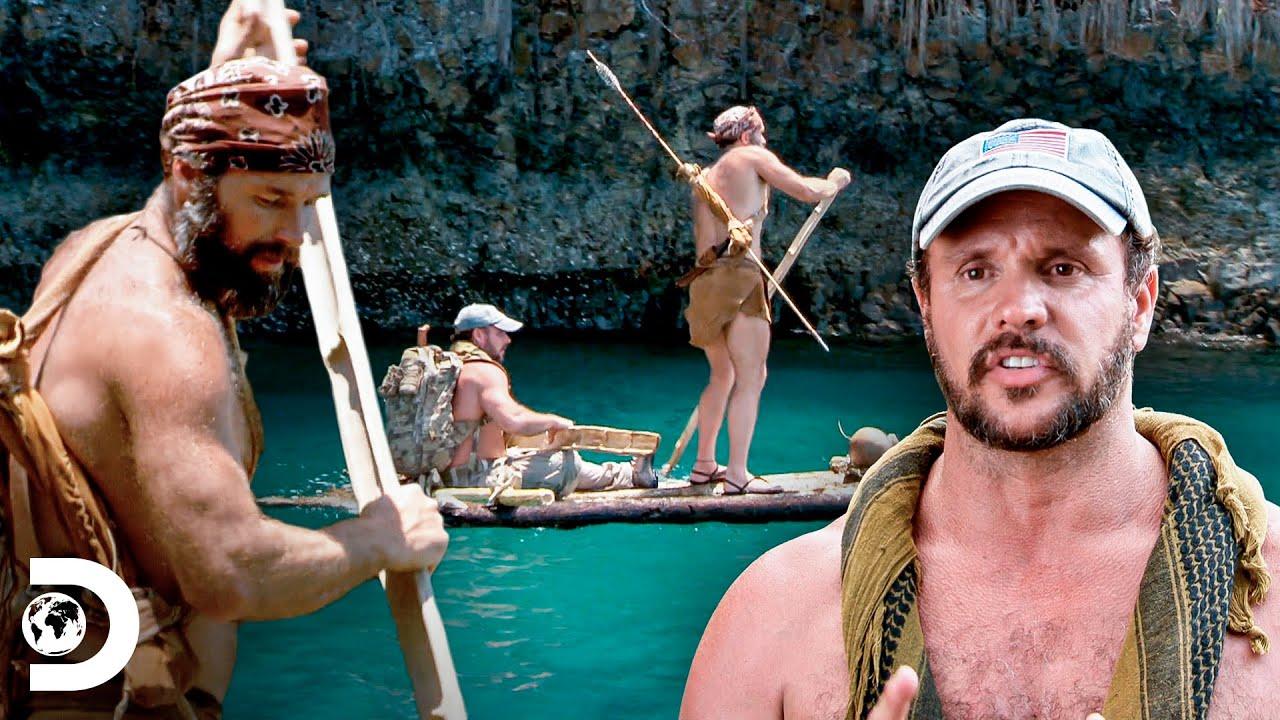 Avançar ou desfalecer: cruzando ilha em barco de troncos | Desafio em dose dupla | Discovery Brasil