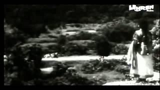 Bachapan Ki Mohabbat Ko Dil Se Na Judaa Karna; Singer  Lata Mangeskar; Movie - Baiju Bawra