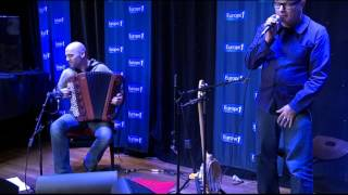 Sanseverino chante « Marcel » en live