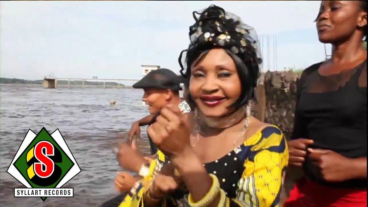 """Download Mbilia Bel - Nakei Naïrobi (""""El Alambre"""") [Clip Officiel]"""