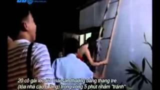 Massage   Karaoke Sài Gòn   Clip 20 Tiếp Viên Mát Xa Bỏ Trốn Khi Bị Kiểm Tra