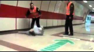 Uçan Adam Sabri Metroda