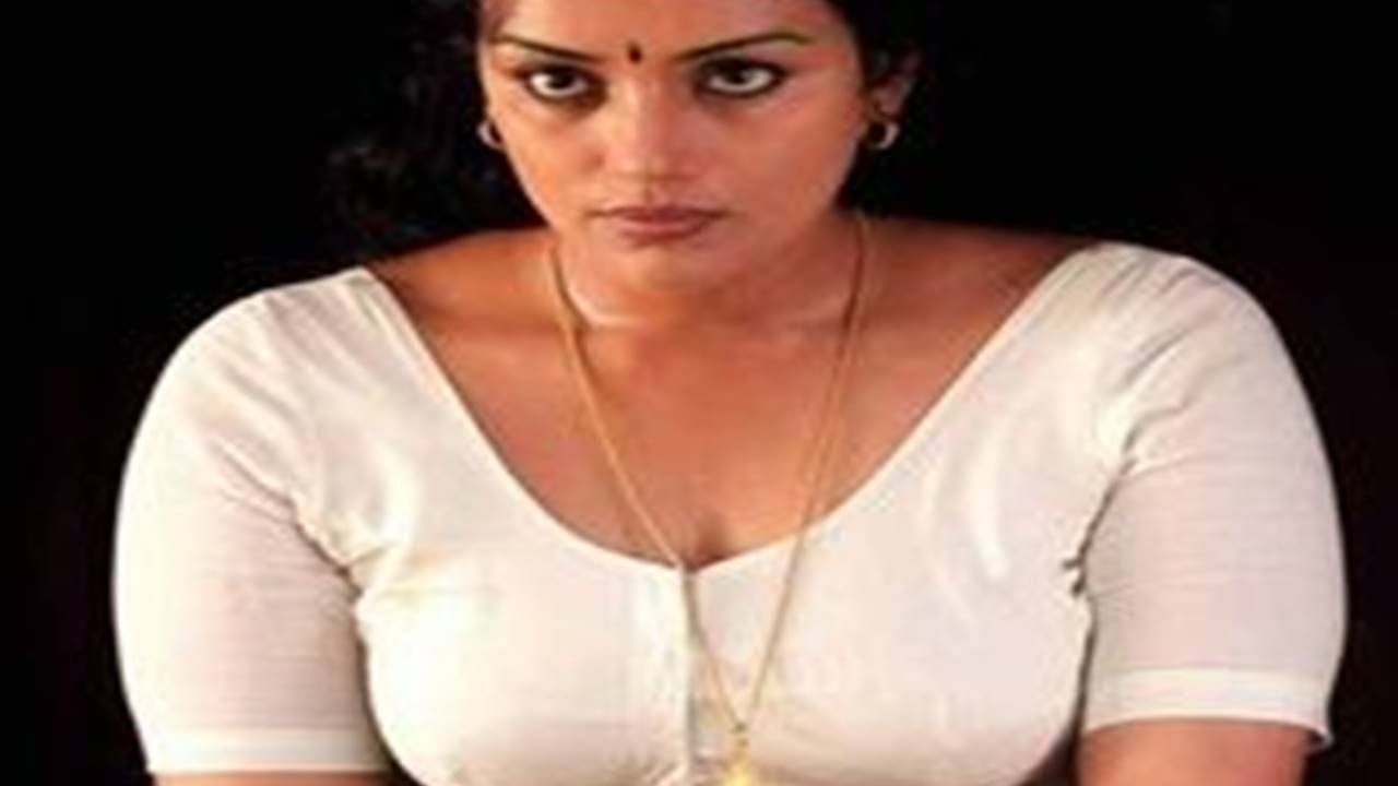 Hot South Indian Mallu Actress Bra Size