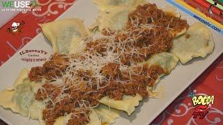 263 - Ravioli fatti in casa con spinaci e ricotta al ragù...qui ci mangia una tribù! (primo facile)