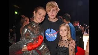 16-летний сын Натальи  Водяновой вышел в свет  и покорил всех своей  красотой. Уже выше  мамы!