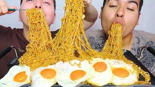10 PACKS INDOMIE MI GORENG SPICY FRIED NOODLES • Mukbang & Recipe
