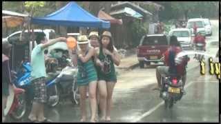 Té nước rửa sạch bụi trần - Tết Lào - Dương đình Hùng