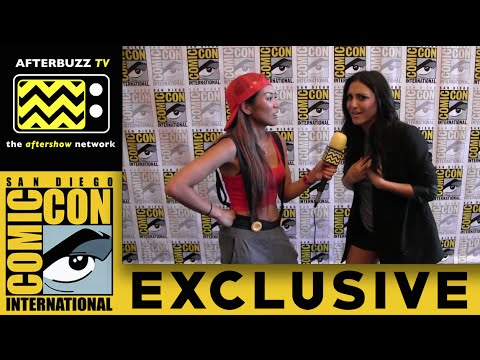 Cassie Scerbo  Sharknado 3 @ San Diego ComicCon 2015