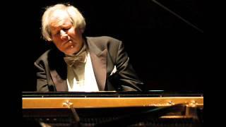 Ravel - Le Tombeau de Couperin (IV. Rigaudon) - Sokolov